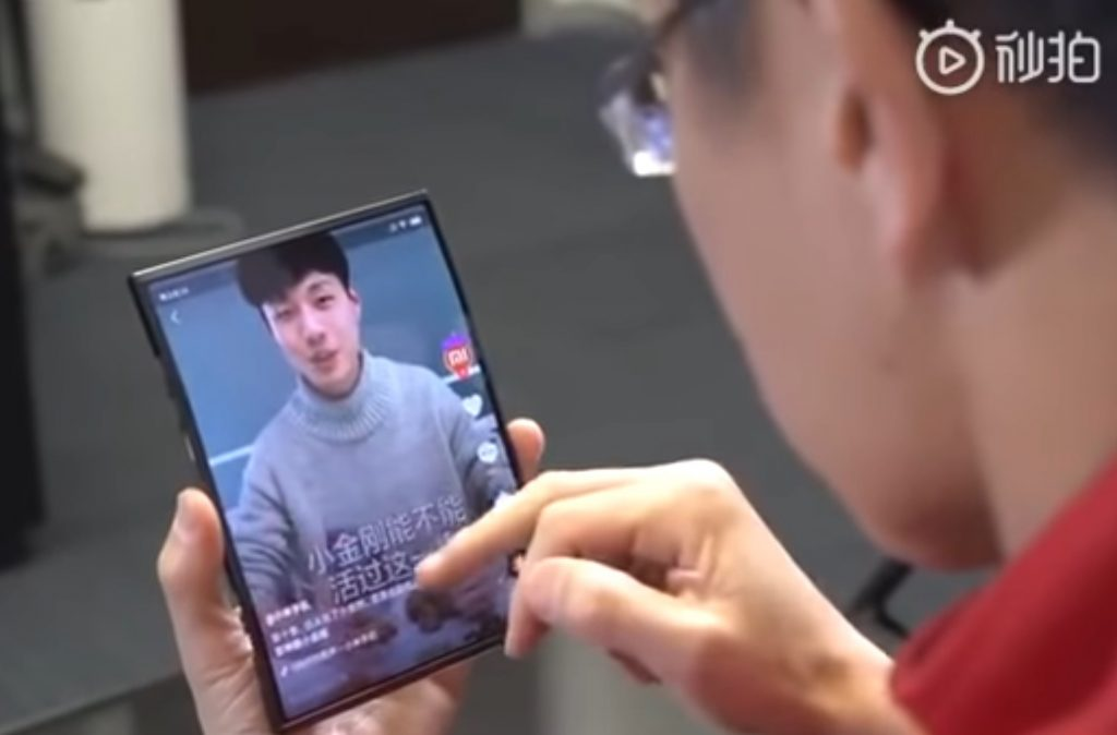 Le smartphone pliable de Xiaomi en mode tablette